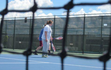 As tennis season ends, freshman gym class tests its skills