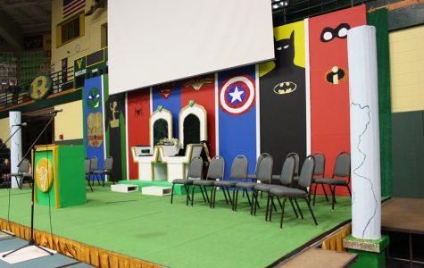 Drama and stagecraft students design stellar Homecoming set